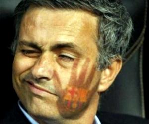 Funny Pictures Thread - Page 2 2012-funny-football-video-mourinho-barcelona-384