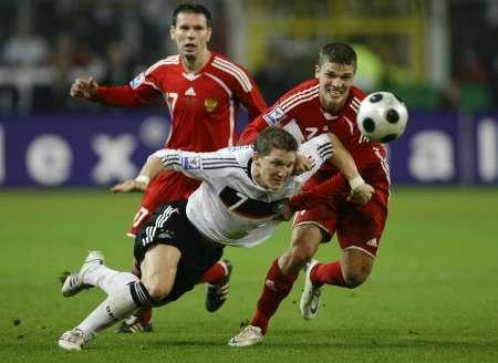 Germany and Russia battle it out during a World Cup qualifier