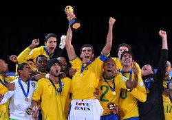 Brazil's players celebrating their 2009 Confederations Cup triumph