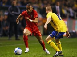 Portugal's Bosingwa in action vs Sweden.